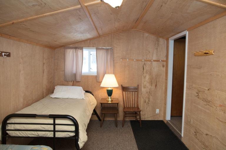 Cabin-13-Lake-of-the-Woods-Fishing-Resort-River-Bend-rbr-528-WEB