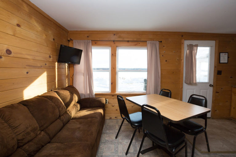Cabin-3-Lake-of-the-Woods-Fishing-Resort-River-Bend-rbr-105-WEB